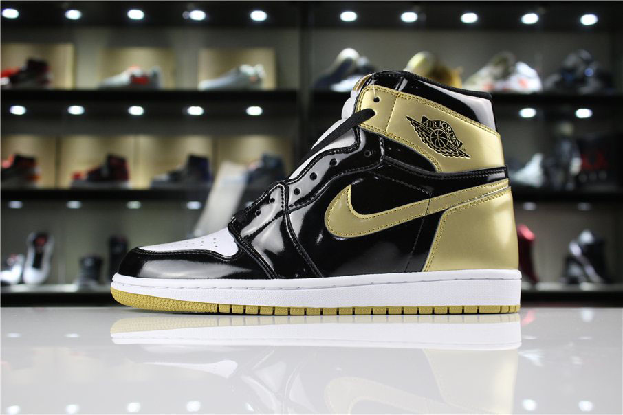 Air Jordan 1 High OG NRG Gold Top 3 Black/Metallic Gold 861428-001