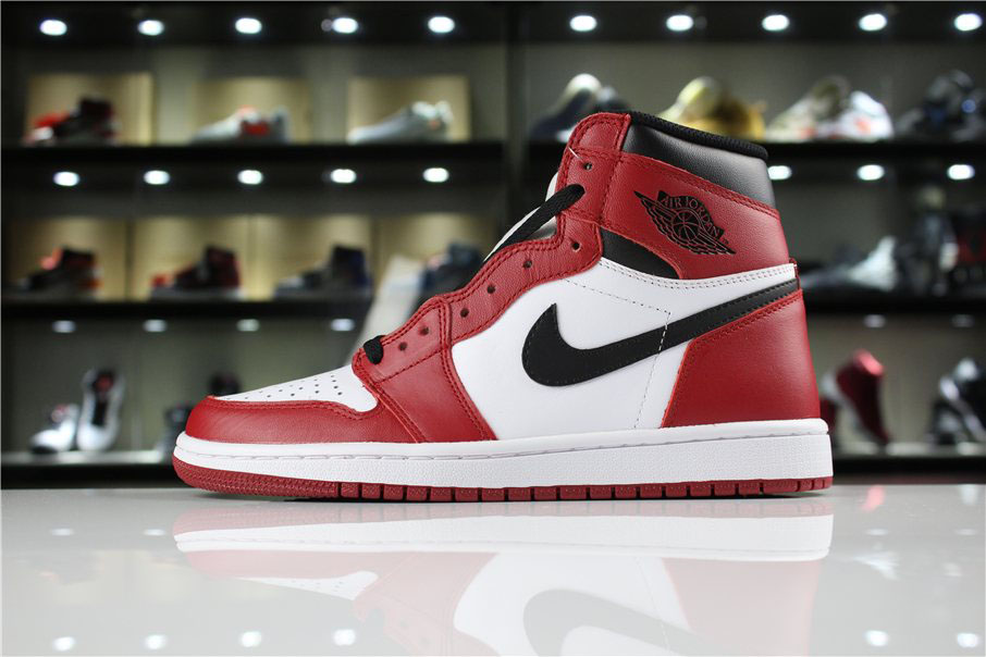 Air Jordan 1 Retro High OG Chicago White/Black-Varsity Red 555088-101
