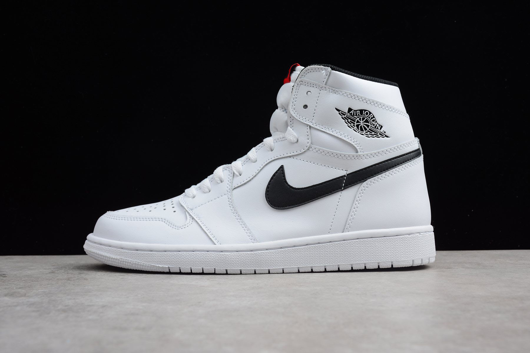 Air Jordan 1 Retro High OG Yin Yang White/Black-White 555088-102